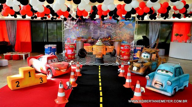 carros-2-da-disney-e-tema-de-festa-do-filho-de-juliana-paes1